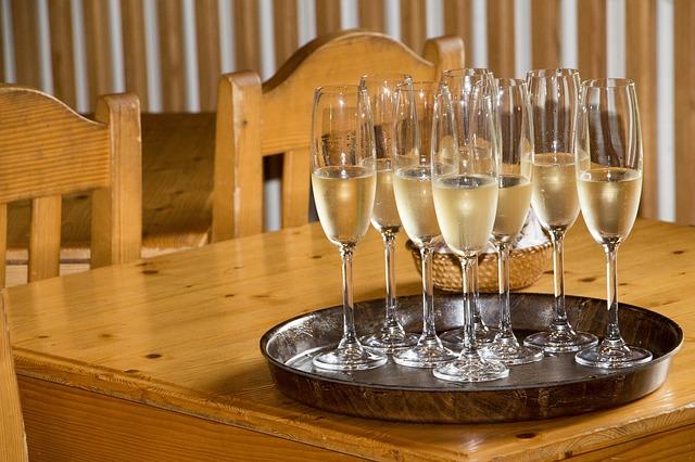 šampaňské na oslavě