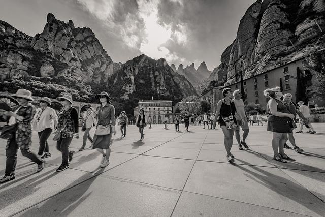 montserrat klášter a turisté
