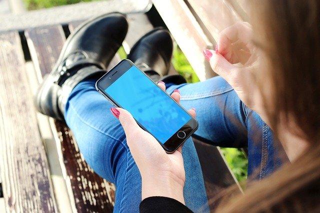 iphone v ruce