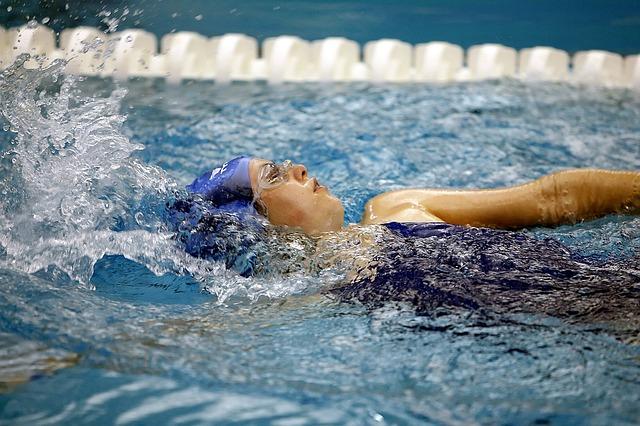 Plavkyně v bazénu.jpg